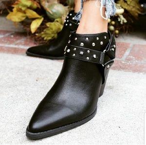 🆕️//The Sequoia// Black patent leather Mule
